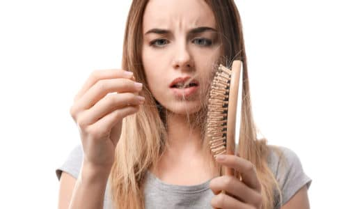 抜け毛防止に本当に効果があるのは?男性・女性で違う抜け毛原因と対策5つ